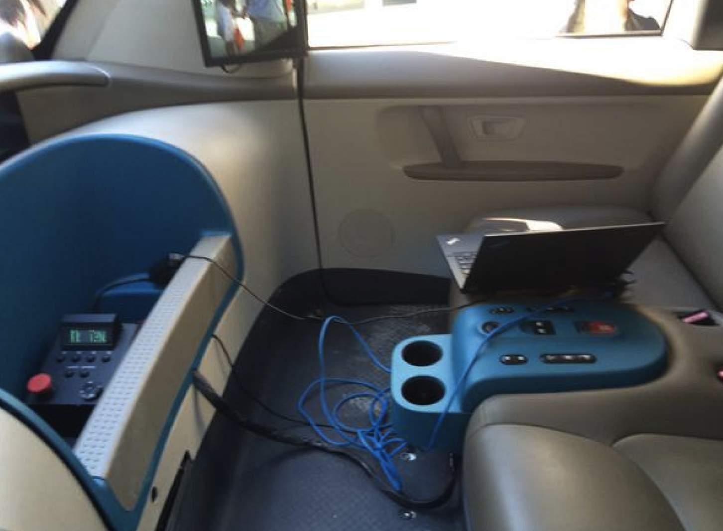 Google Car interni 03