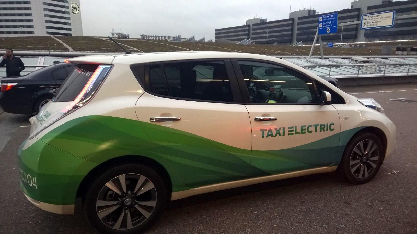 Nissan Leaf Taxi Amsterdam